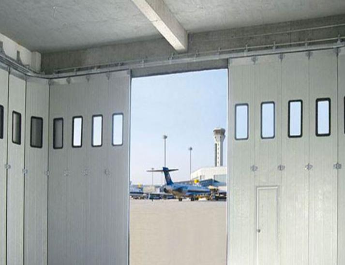 机库侧转平移门