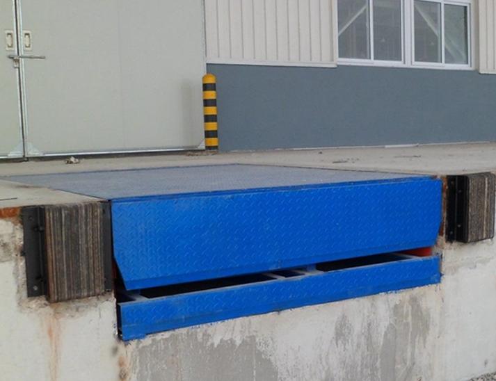 固定式卸货液压登车桥